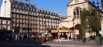 ユーロエステートの地区・治安・生活情報:パリ18区のメトロ: Jules Joffrin駅(ジュールジョフラン):区役所近くの住宅街