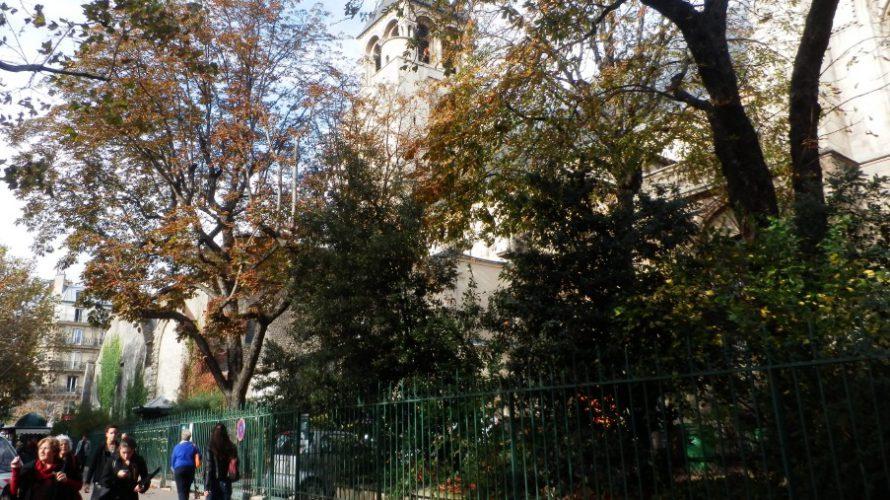 ユーロエステート:サンジェルマンデプレメトロ出入り口 教会横