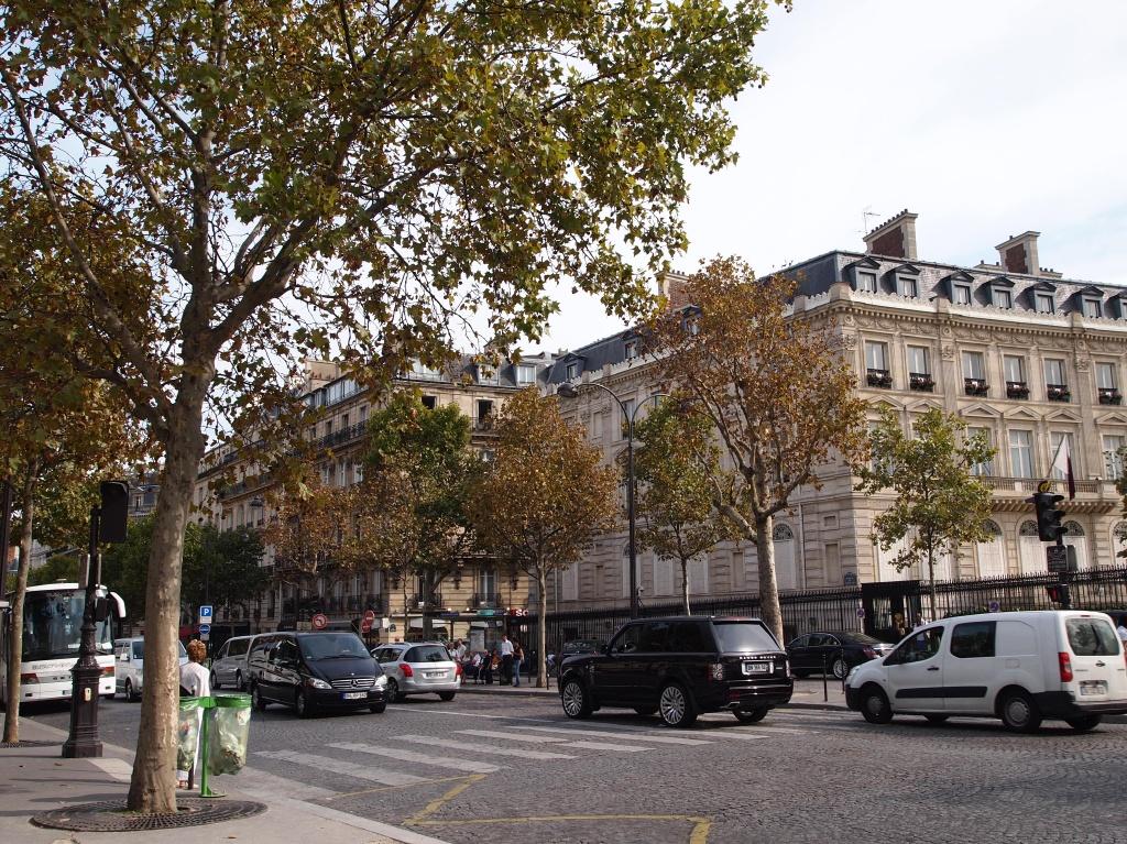 シャルルドゴールエトワール(Charles de Gaulle - Étoile)駅周辺